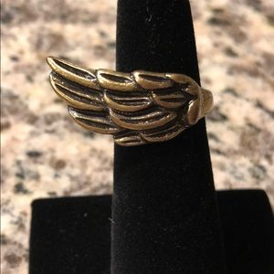 🍭 Wing gold bronze tone ring size 5